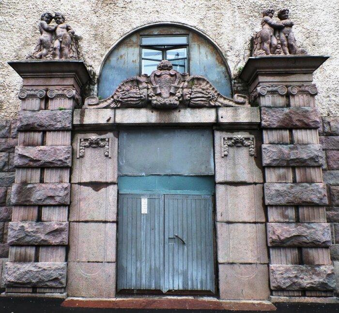 Доходный дом Эммануила Нобеля, фрагмент фасада. /Фото:fotokto.ru