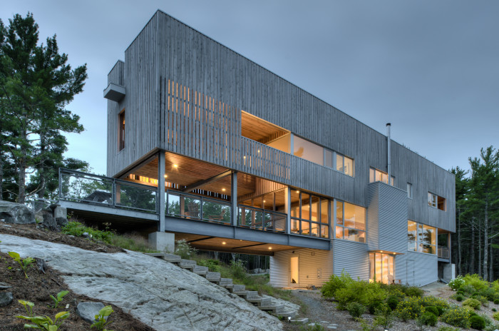 Дом-мост в Канаде. /Фото:archdaily.com, Грег Ричардсон
