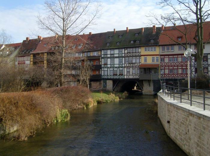 Дом-мост в Германии. /Фото:fototelegraf.ru