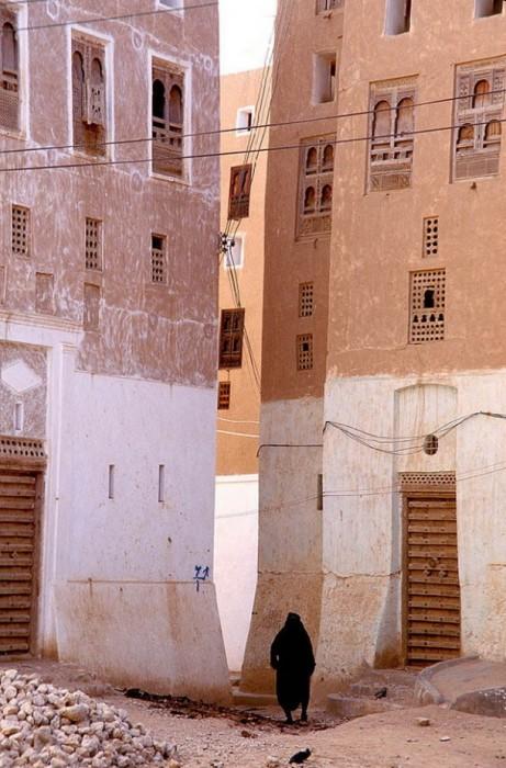 Здания строили очень близко друг к другу./Фото:tourweek.ru