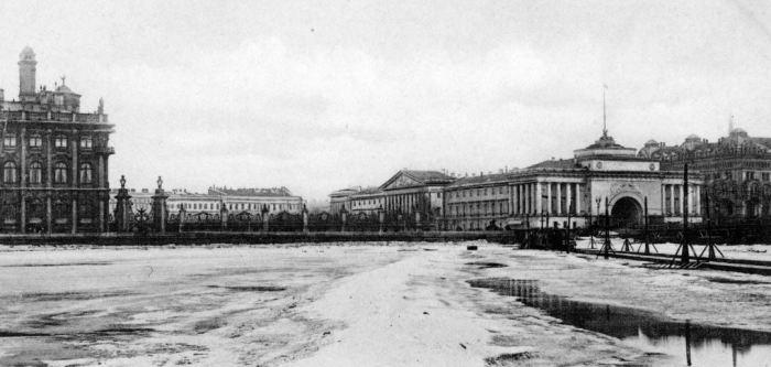 Трамваи ходили по реке до 1910 года включительно. /Фото:getmuseum.ru