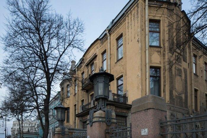 Дом расположен в начале Каменноостровского проспекта. /Фото:chulga.livejournal.com