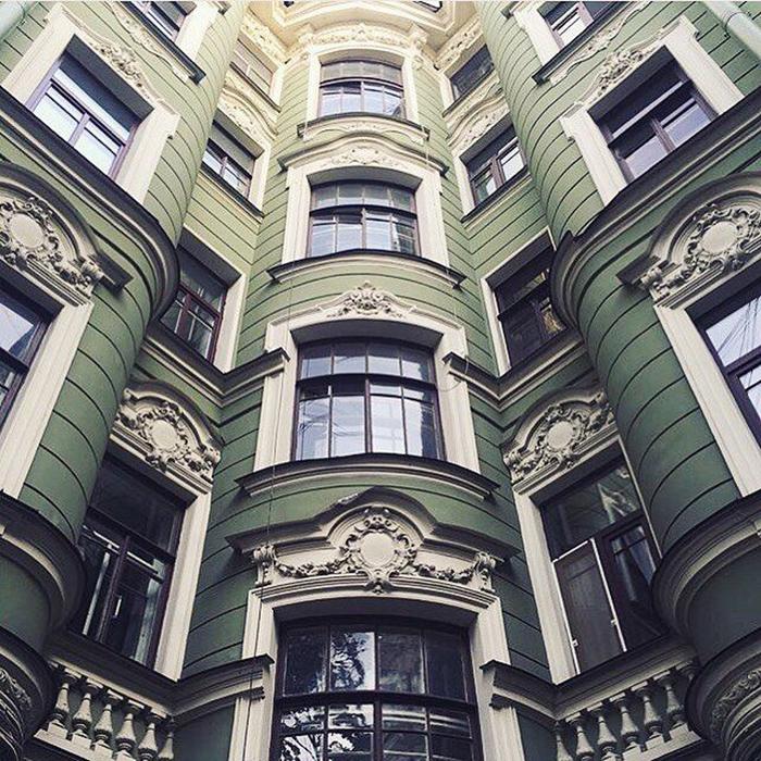 Доходный дом и в наши дни смотрится очень эффектно. /Фото:pinimg.com