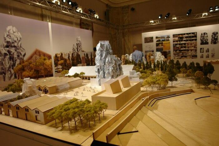 Макет здания и самой территории на выставке в Венеции в 2010 году. /Фото: Наталья Фролова, archi.ru