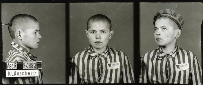 Ему удалось сохранить десятки тысяч фотографий, сделанных в Освенциме.