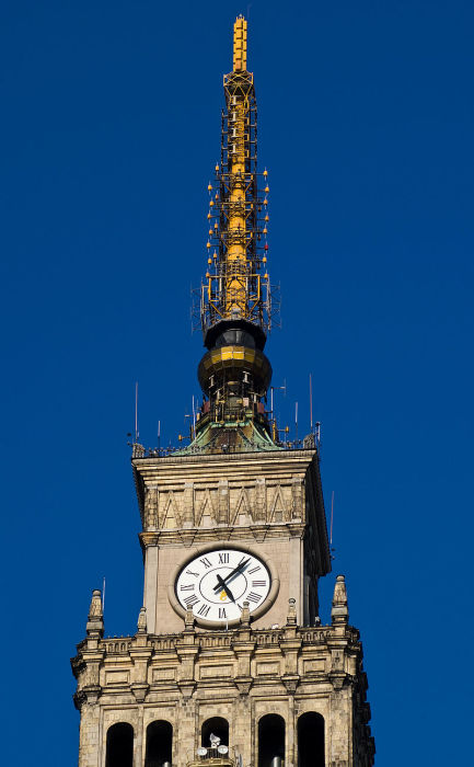 Часы установили уже в XX веке. /Фото:Piotr Brichacek
