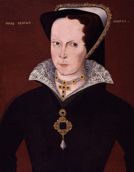 Английские монаршие особы часто позировали художникам с этой жемчужиной.