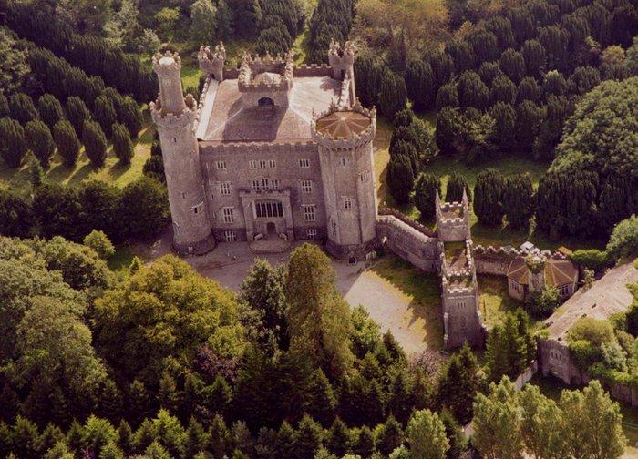 Замок с высоты птичьего полета. /Фото:liveinternet.ru