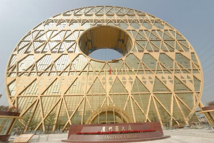 Здание напоминает древний китайский артефакт: нефритовый диск. /Фото:masterok.livejournal.co