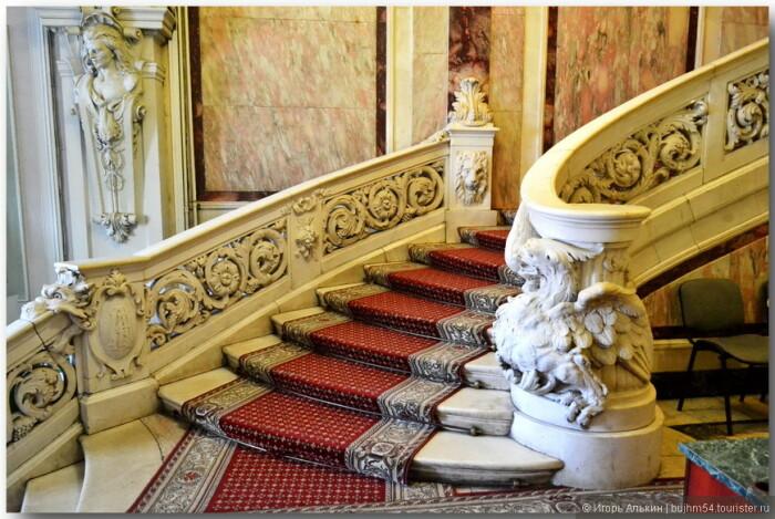 Лестница из мрамора. /Фото:liveinternet.ru