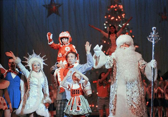 Роман Филиппов в Кремле в образе Деда Мороза. /Фото:tunnel.ru