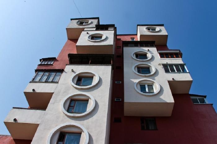 Фрагмент здания. /Фото:pokazuha.ru