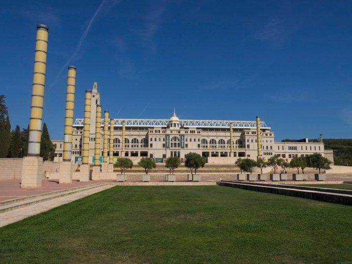 Фасад главной арены Олимпийских игр. /Фото:strelkamag.com