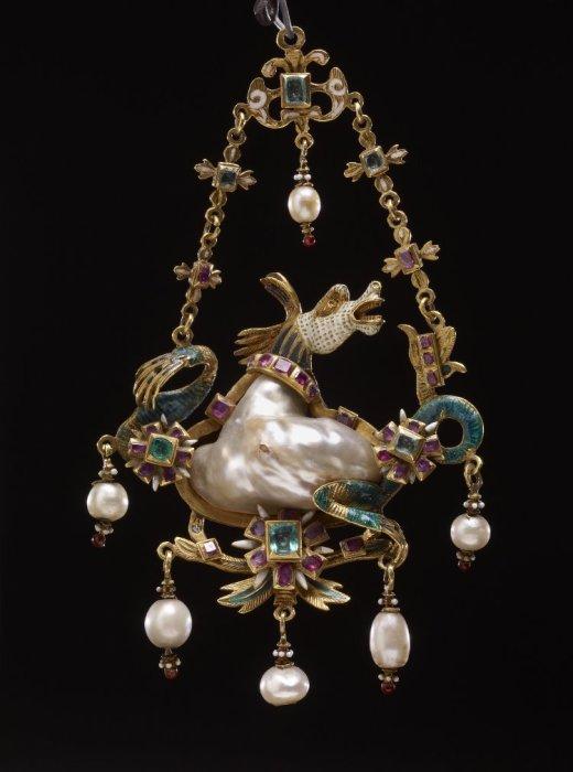 Жемчужная подвеска барокко. XVI век. /Фото:Британский музей