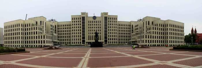 Из Дома правительства можно было тайно пройти к метро. Фото:samarclub.com