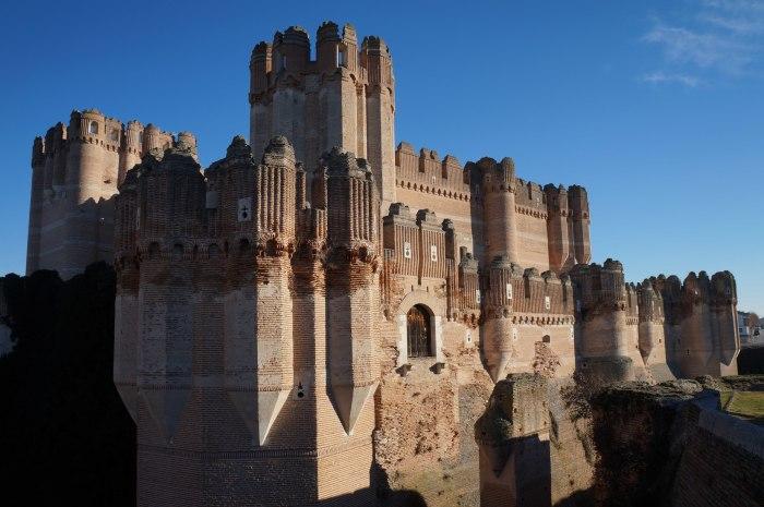 Замок не утратил былой красоты. Кроме того, он был отреставрирован.