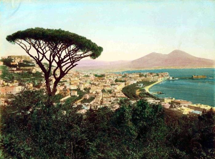 Позиллипо в начале XIX века. На заднем фоне – Везувий. /Фото:wikipedia.org