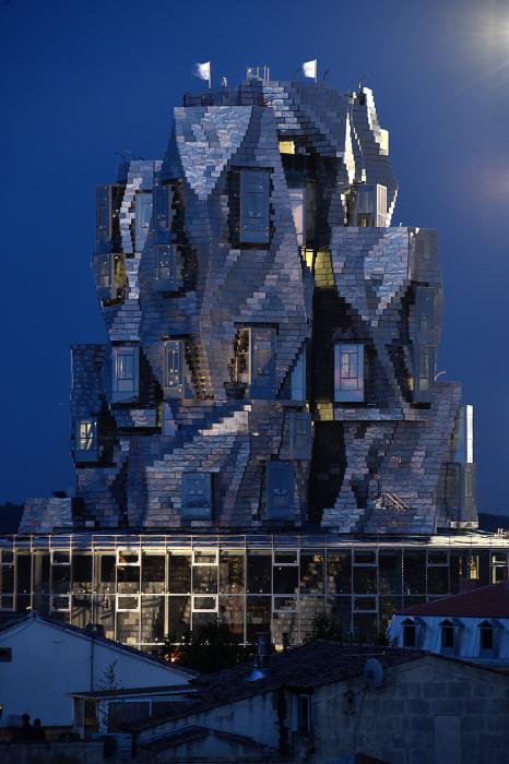 Здание-вызов никого не оставит равнодушным. /Фото:luma-arles.org, Herve Hot