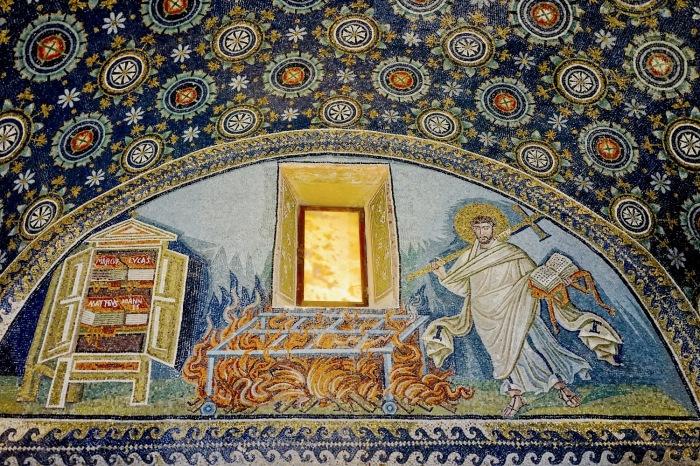 Изображение внутри мавзолея. /Фото:videomax.ru