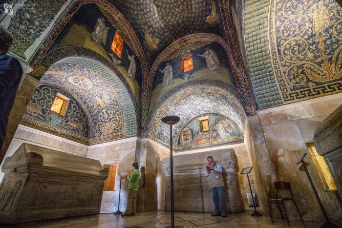 Мавзолей внутри. /Фото:orthodoxographia.com