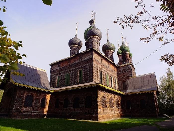 Уникальная по красоте церковь, признанная шедевром архитектуры. /Фото: