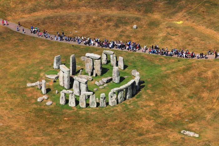 Величие древнего Стоунхенджа поражает. Но не у каждого есть возможность увидеть его собственными глазами. /Фото:storage.our-civilization.com