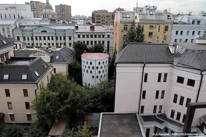 Улей на фоне московских домов. /Фото: probauhaus.ru, Д. Лазарев