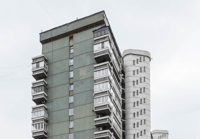 Эстетическая ценность дома неоднозначна, однако в оригинальности проекта нет никаких сомнений. /Фото:the-village.ru