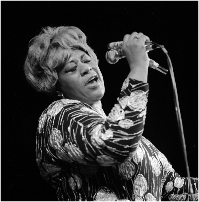 Голос бабушки мирового джаза вот уже второй век эталон для вокалистов. / Фото:notelyrics.com