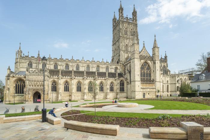 Глостерский собор снаружи. / Фото:idverde.co.uk