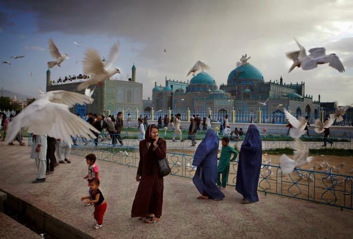 Святыня Хазрат Али считается символом города и даже всей провинции. Фото:islamicfinder