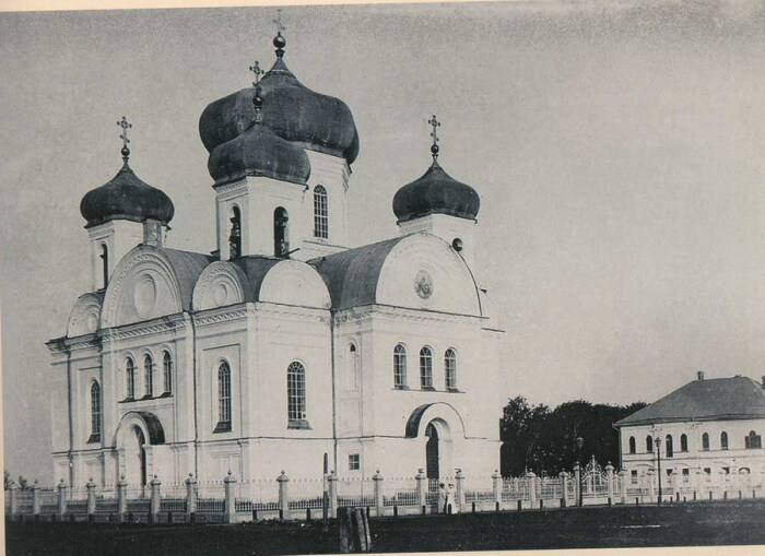 Один из затопленных храмов. /Фото: pravmir.ru
