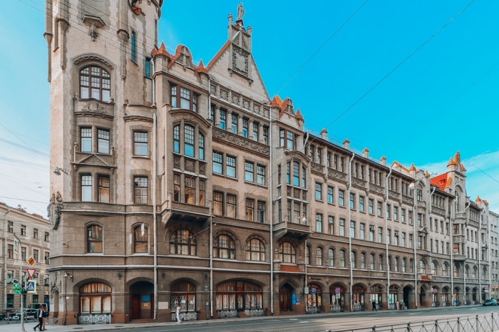 Знаменитое здание на Садовой в наши дни. /Фото:открытыйгород.рф