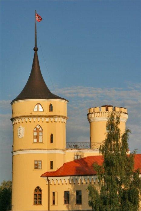 Одна из башен крепости после реставрации. /Фото:anashina.com