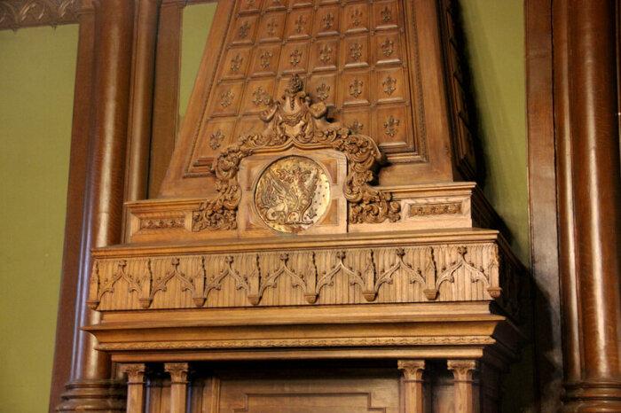 Камин в столовой. /Фото:toptigki.livejournal.com