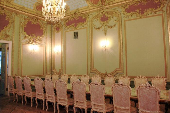 Рокайная гостиная. /Фото:toptigki.livejournal.com