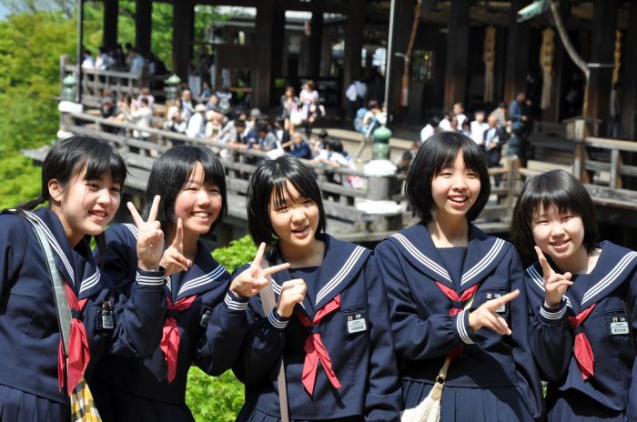 В японских школах сложно, но весело. /Фото:techinasia.com