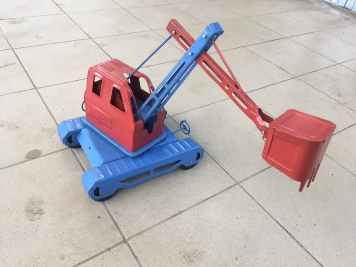 Одна из отреставрированных Евгением игрушек. /Фото: страница Евгения Михайлова в VK