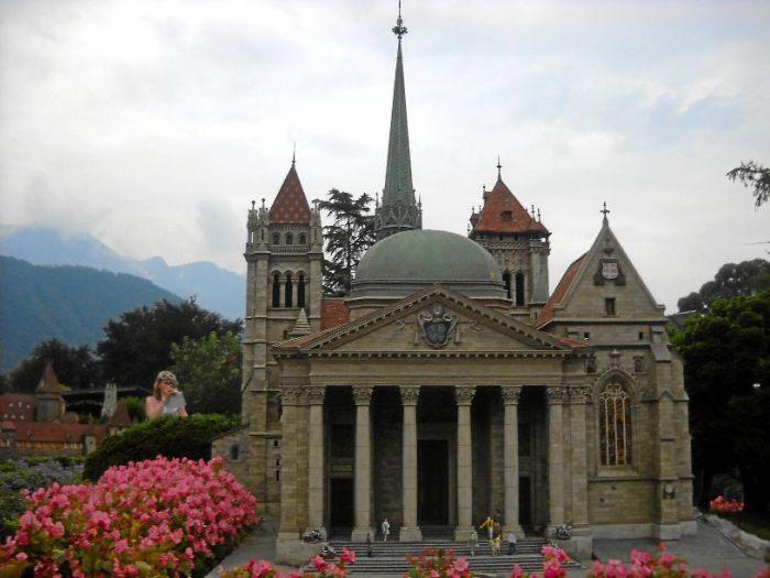 Собор Сан-Пьер в Женеве. /Фото:archimir.ru