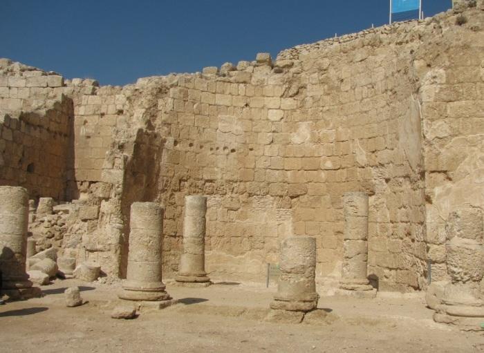На кольцо, найденное при раскопках, поначалу никто не обратил особого внимания. /wikimedia.org