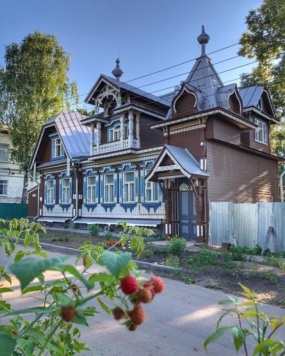Так дом Смирнова выглядит в наши дни. /Фото:@typical_nn