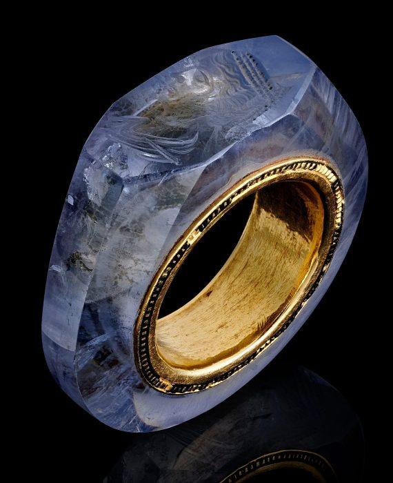 Знаменитое кольцо. /Фото: Wartski BNPS