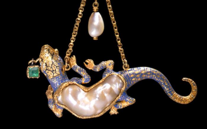 Кулон в виде саламандры, эмалированный золотой набор с жемчугом и изумрудом, Западная Европа, конец XVI века.