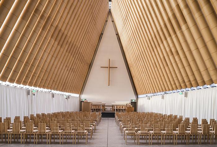 Картонный храм в Новой Зеландии. /Фото:interior.ru