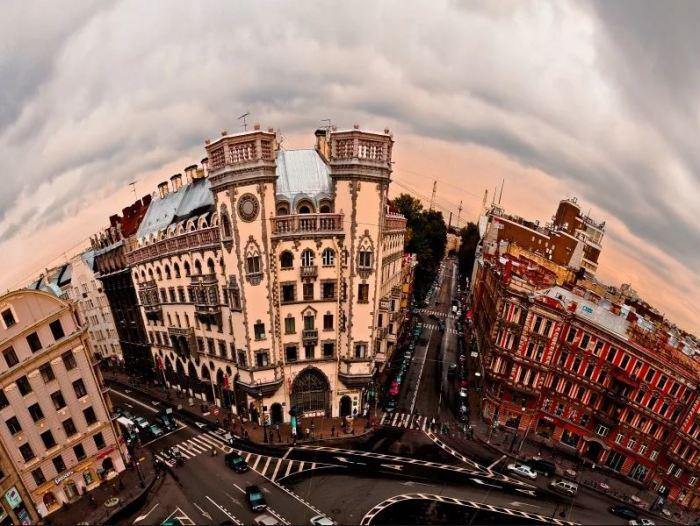 Оригинальное фото Дома с башнями. /Фото:cityguide-spb.ru