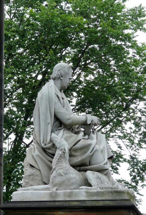 Памятник писателю в Эдинбурге. /Фото: cityofliterature.com