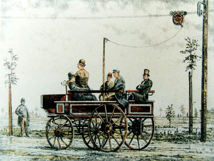 Так выглядел троллейбус, разработанный инженером-электриком Вернером фон Сименсом и запущенный в пригороде Берлина./Фото:alternathistory.com