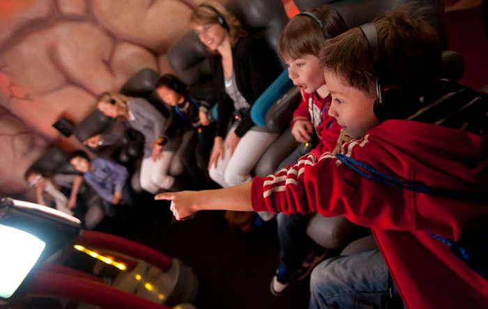 Малыши до шести лет в таком музее могут испугаться, а вот ребятам постарше здесь очень интересно. /Фото:lagotronicsprojects.com