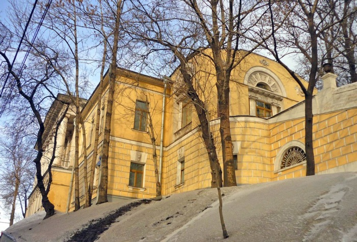 Дом Усачевых. /Фото:moya-moskva.livejournal.com/