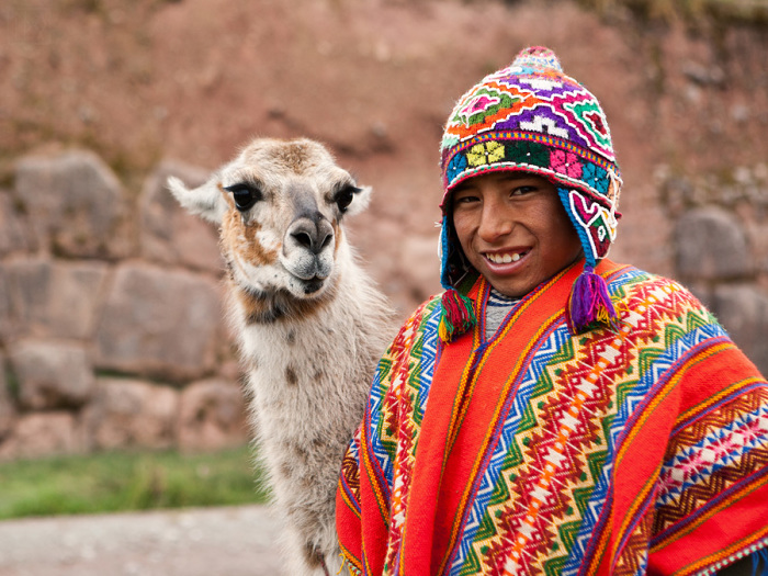 Дети и ламы шесть веков назад стали жертвами ритуала. В наше время детям данная участь не грозит, а вот ламам менее повезло. /Фото:victor-ivanov.com